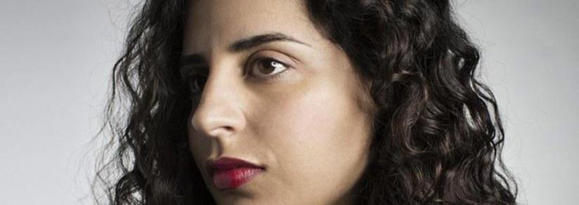 Gastcolumn: Aan Nadia Ezzeroili en alle andere navelstaarders: For fuck sake, hou op met die zielige identiteitspolitiek
