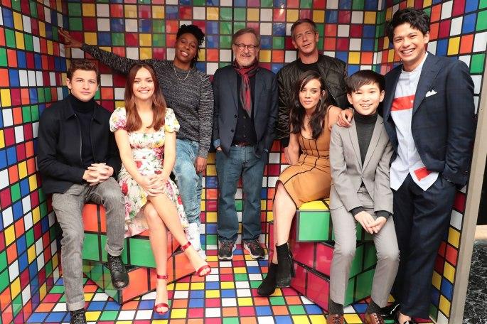 Rubiks cast