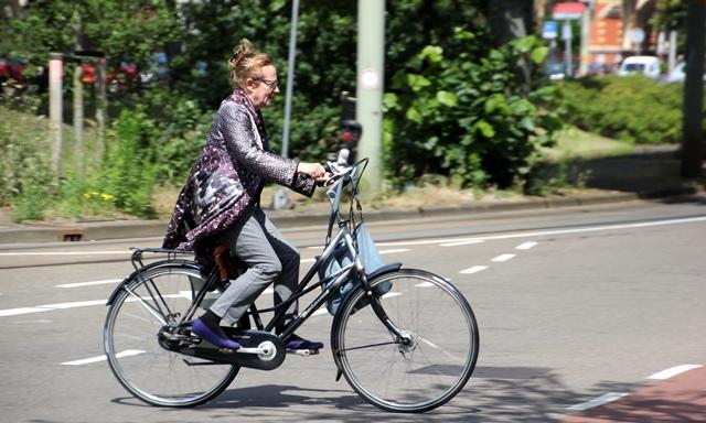 bicicleta_urbana_batesaua_citybike_oras_velobello