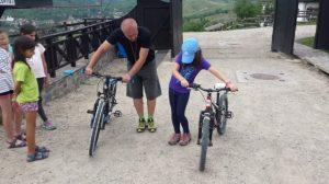 scoala_bate_saua_Cursuri_initiere_bicicleta_ciclism_copii_si_adulti