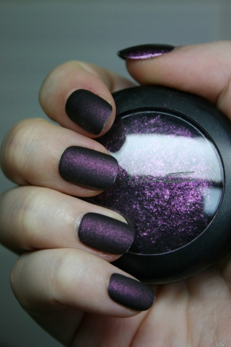 Diy matte nail polish bath and body ok now this has just about everything going for it cool nail polish doing it yourself and using up old eye shadow in those crazy colors that simply are solutioingenieria Image collections