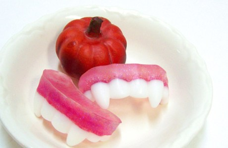 DIY Melt and Pour Vampire Teeth