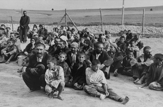 136._gypsy_prisoners.jpg