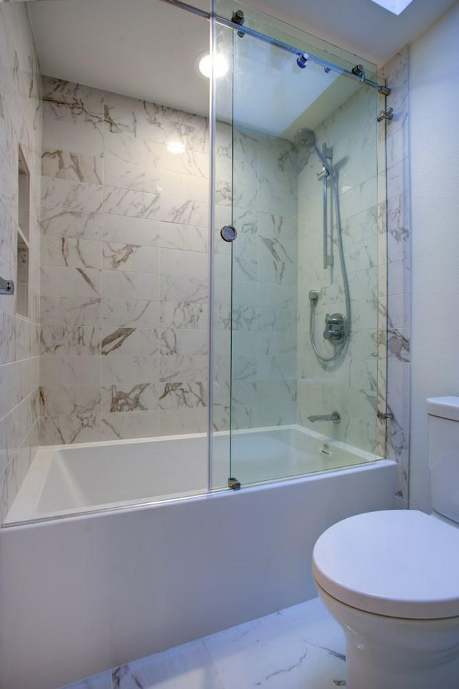 bathroom lighting ideas to consider