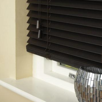 35mm Essence Fauxwood Venetian Blind Callo