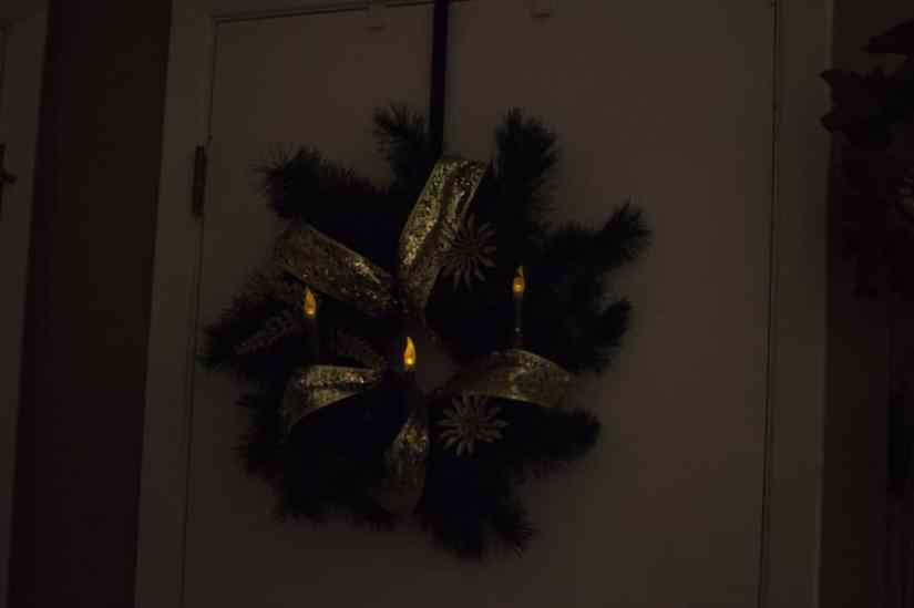 vintage style candle wreath