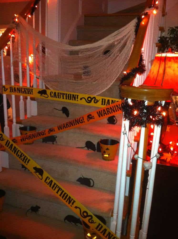 Decorate and create your own Halloween party with these amazing DIY Halloween party ideas