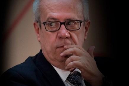 Cierre del día: Sorpresiva renuncia del Secretario de Hacienda