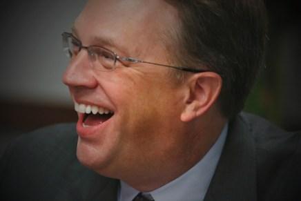 Cierre del día: Comentarios de un miembro de la FED respecto a tasas impulsa a Wall Street