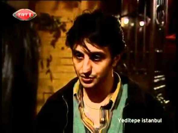 Yeditepe İstanbul, 2000'li yıllarının İstanbul' unun en sıcak ve samimi semtlerinden Balat'ta geçer ve içimizden insanların anlamlı hikayelerini konu alır.