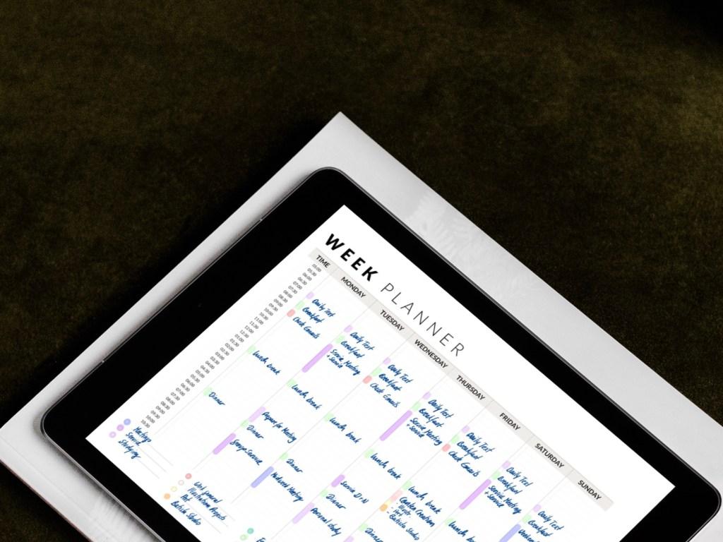Week planner // batistastudio.com