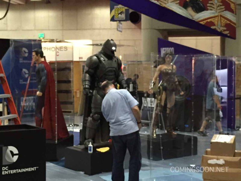 Warner Bros. is bringing the armored Batsuit from 'Batman ...