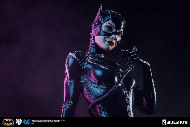 dc-comics-catwoman-premium-format-300270-03