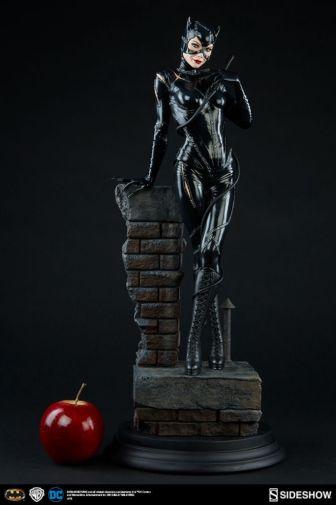 dc-comics-catwoman-premium-format-300270-04