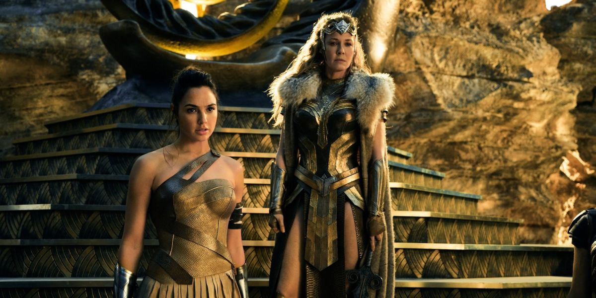 Connie Nielsen Recalls Awkward Naked Encounter With Gal Gadot During Wonder Woman Batman News