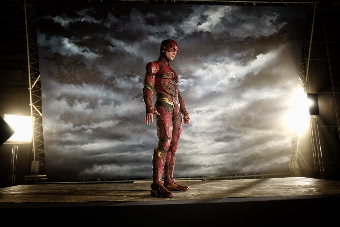 Justice League director Zack Snyder shared a photo of Ezra Miller as The Flash from his first costume test for the movie. & Zack Snyder shares u0027Justice Leagueu0027 Flash costume test talks ...
