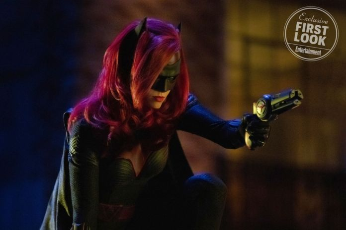 Batwoman - Elseworlds - Entertainment Weekly - 01