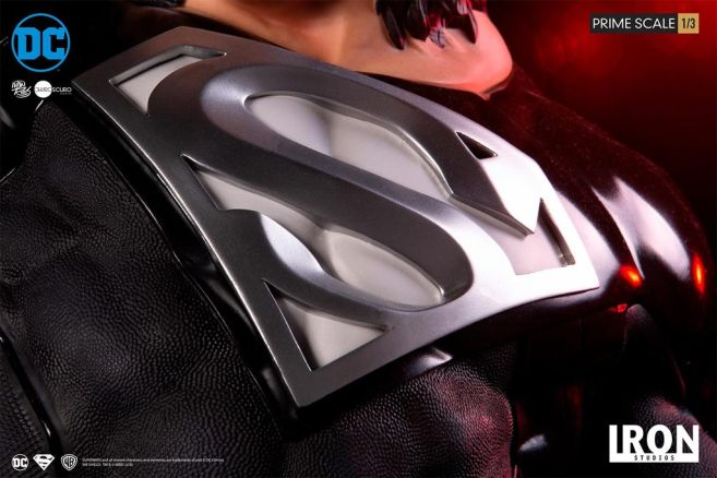 Iron Studios - DC Comics - Superman - Black Suit - 10