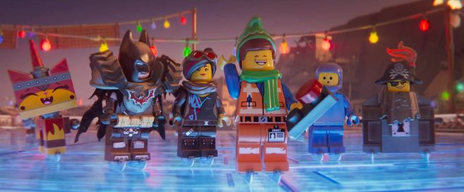 The Lego Movie 2 - Emmets Holiday Party - 14