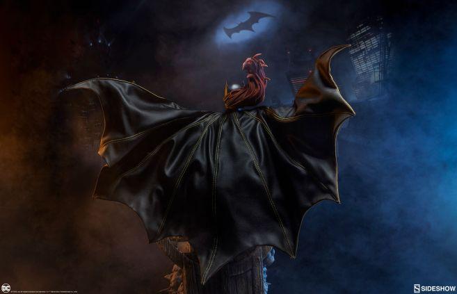 Sideshow - Batman - Batgirl Premium Format Figure - 36