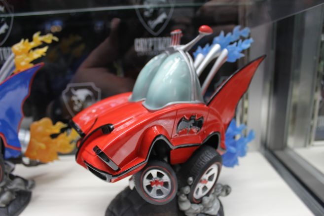 Cryptozoic - Toy Fair 2019 - 66 Batmobile Hot Rod - 02