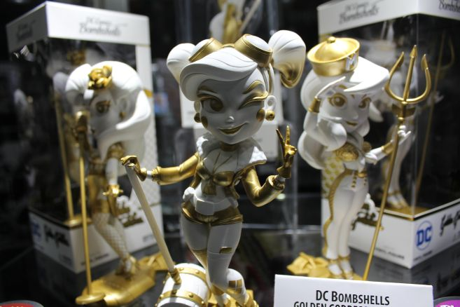 Cryptozoic - Toy Fair 2019 - Convention Exclusives - 04