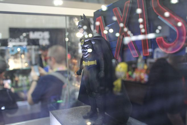 Mezco - One 12 - Toy Fair 2019 - 89 Batman - 02