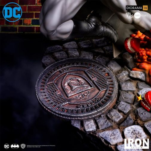 Iron Studios - Batman - Batman cs Joker Battle Diorama - 11