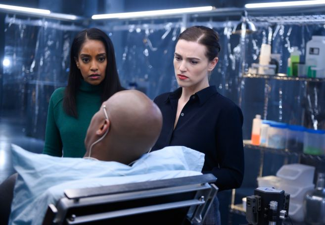 Supergirl - Season 4 - Ep 19 - 10