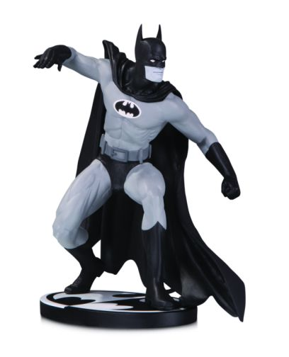 DC Collectibles - January 2020 - Batman - Black and White - Batman by Gene Colan Statue - 01