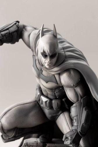 Kotobukiya - DC - Arkham Series - 10th Anniversary - Batman - 02