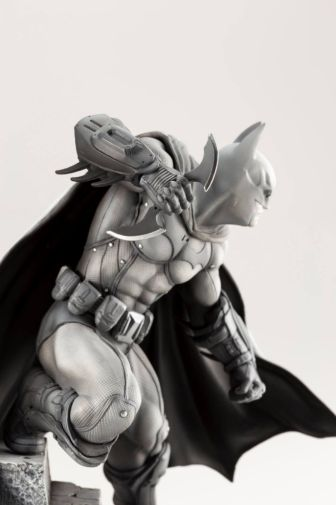 Kotobukiya - DC - Arkham Series - 10th Anniversary - Batman - 03