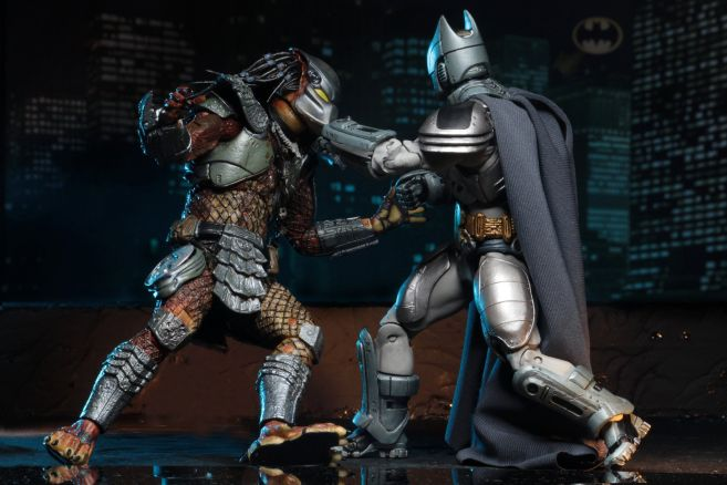 NECA - 2019 Convention Exclusives - Batman vs Predator 2-Pack - 11