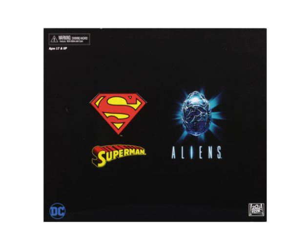 NECA - 2019 Convention Exclusives - Superman vs Alien 2-Pack - 04