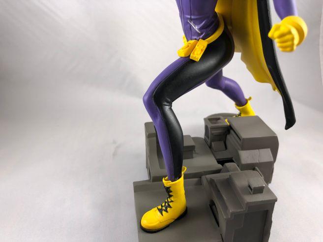 diamond-select-toys-comic-gallery-batgirl-13