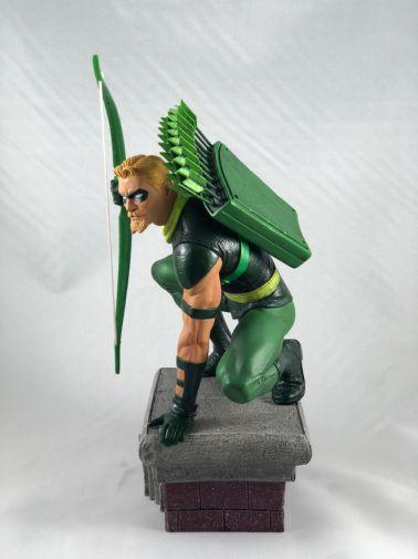 diamond-select-toys-comic-gallery-green-arrow3
