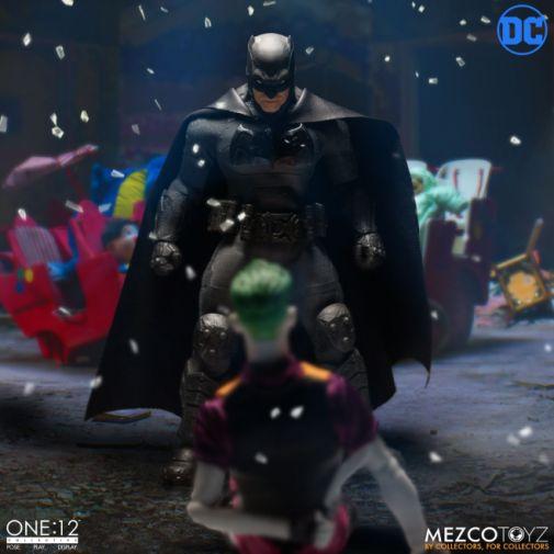 Mezco Toyz - Batman Supreme Knight - 06