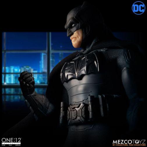Mezco Toyz - Batman Supreme Knight - 12