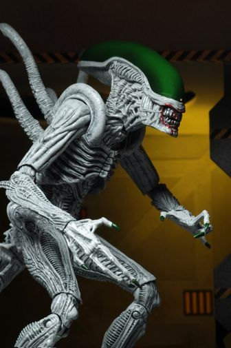 NECA - 2019 Convention Exclusives - Batman vs Alien 2-Pack - 18