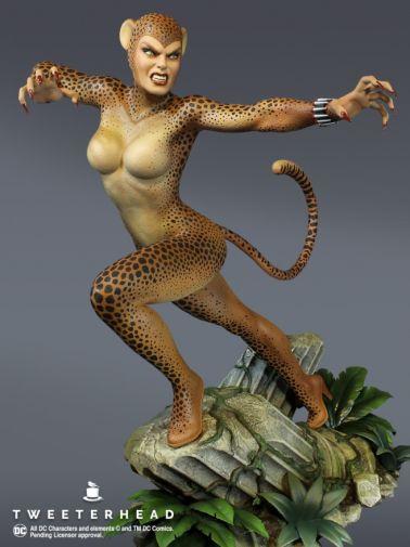 Tweeterhead - Cheetah Statue - 01