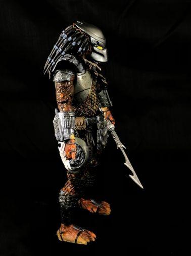 neca-sdcc-batman-predator - 14