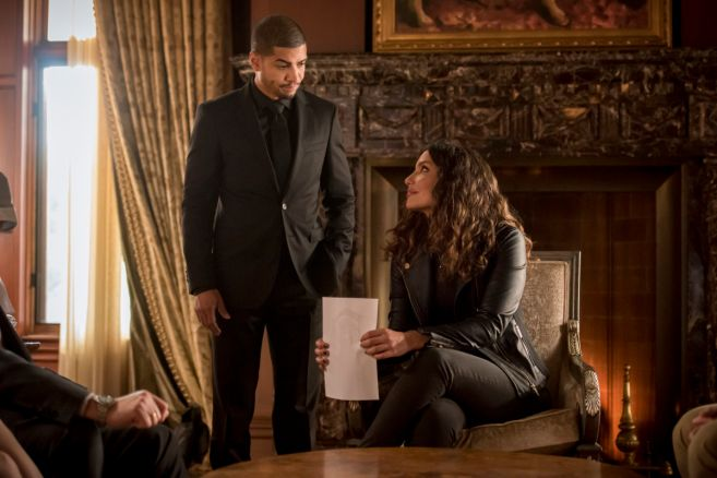 Arrow - Season 8 - Ep 01 - 03