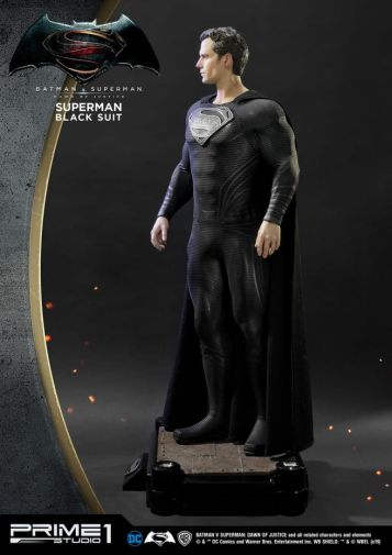 Prime 1 Studio - Superman - Black Suit Superman - 03