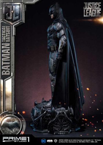 Prime 1 Studio - Justice League - Batman Tactical Batsuit - 13