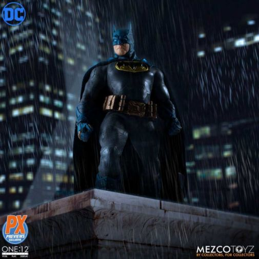 Mezco Toyz - Batman Supreme Knight - Previews Exclusive - 01