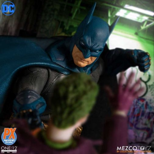 Mezco Toyz - Batman Supreme Knight - Previews Exclusive - 05