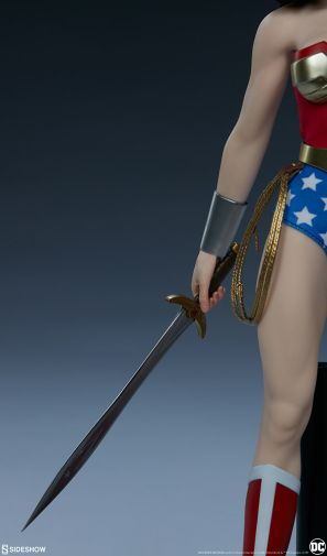 Sideshow - Wonder Woman - Sixth Scale Figure - 04
