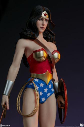 Sideshow - Wonder Woman - Sixth Scale Figure - 10