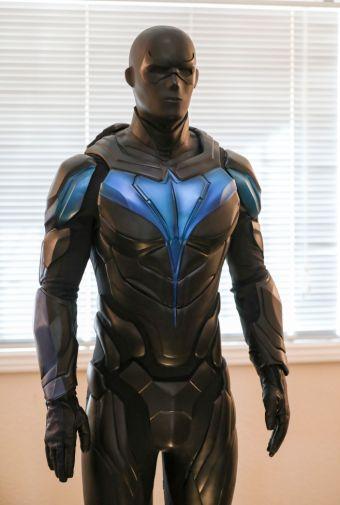 Titans - Season 2 - Nightwing Costume - 07