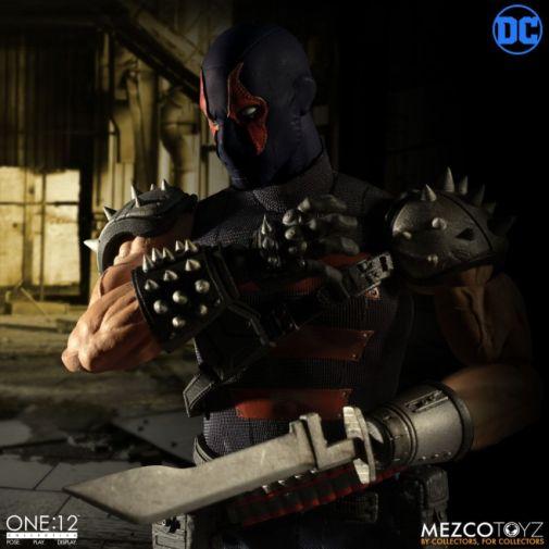 Mezco Toyz - Batman - KGBeast - 08